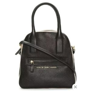 MARC BY MARC JACOBS BLACK IVORY PEBBLE LEATHER BAG